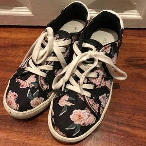 ALDO chic spring/summer floral sneakers